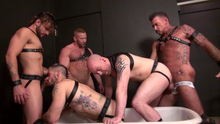 Piss Tub Orgy 2015-10-05