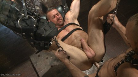 Cock hungry leather studs play in a dark basement 2015-11-26