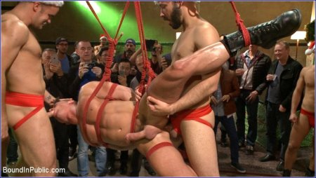 Muscled submissive whored out by santa for the holidays 2015-12-25