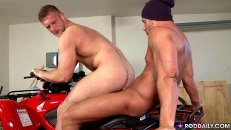 Four Wheel Fuck Deal - Rod Daily And Paul Wagner 2012-01-20 [Request]