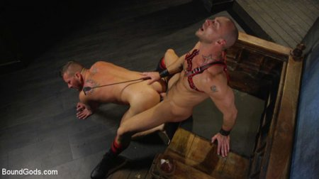 Muscled pig slave gets his first taste of the cattle prod 2016-11-24