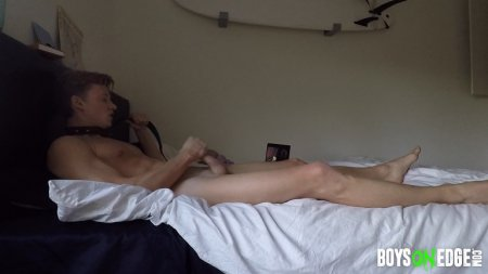 Alexis Explores Erotic Auto Asphyxia And Shoots All Over Himself 2017-03-01