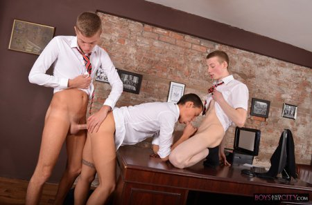 Student Boys Horny Office Antics 2016-09-08