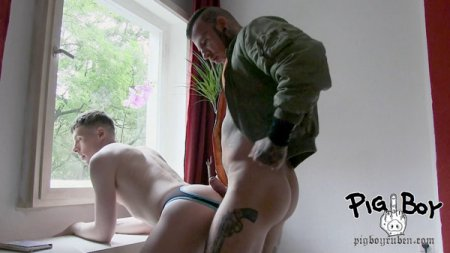 Roger Kint Creampied