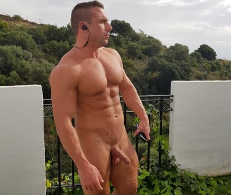 OnlyFans - Guy Diesel [285 Videos & 583 Photos]