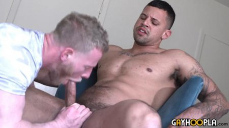 Handsome Hunk Serviced By A Guy In His Late 30s 2019-03-24