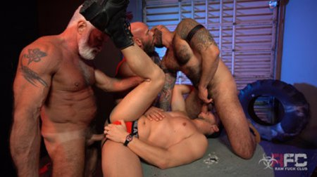Alessio Vega vs Three Muscle Daddies 2019-04-27