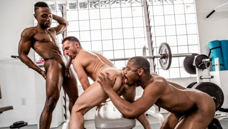 Working Out A Deal - Miller Axton, Colby Tucker & Adonis Couverture 2019-04-24