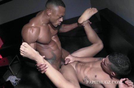 Backroom Flip-Flop - Santi Sexy & Randy Junior