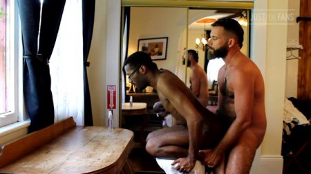 JustForFans - MuscleOtter 305 & Dominic