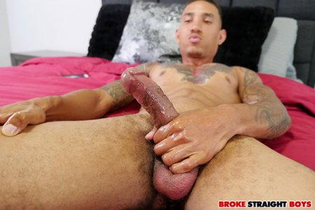 Axel Green Unleashes His Huge Cock 2019-09-01