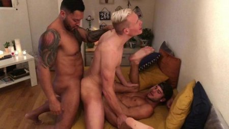 Threesome in Madrid - Viktor Rom, Allen King & Aaron Mark 2019-10-07