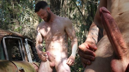 Bearded Man with a Big Veined Dick 2020-02-14