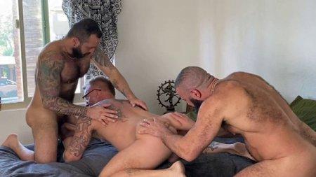 Palm Springs Pile On Pt 1 - FFurryStud, Alex Tikas & Tony XOT 2020-03-21