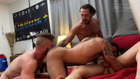 JustForFans - Jake Nicola, Vince Parker, Brian Bonds & Mason Lear
