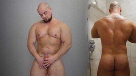 Naked Russian Strong Man - Oleg 2020-06-03