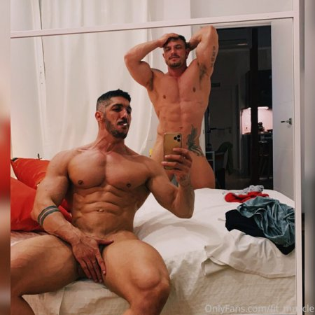 OnlyFans - LUCAS y LUIS _ XL (fit_muscle)