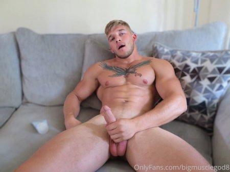 OnlyFans - bigmusclegod8 (Brad Jaxon)